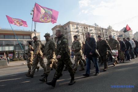 В столице состоялся марш в честь защитников Дебальцевского плацдарма