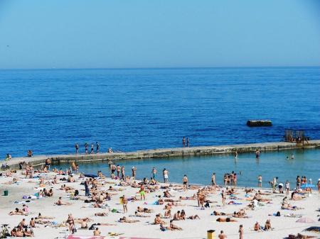 Часть пляжей под Одессой закроют из-за боевых стрельб