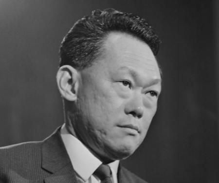 Лі Куан Ю про майбутнє світу в нинішньому столітті: рано чи пізно Японія буде змушена стати китайським сателітом. А що буде з нами?