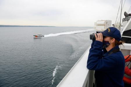 В Черное море вошел американский военный катер