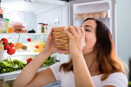 Почему хочется есть даже в жару