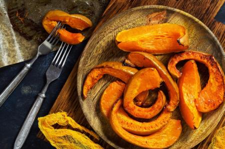 Запеченная тыква с карамелью: простой рецепт