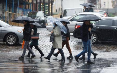 Дожди и +10: синоптики дали прогноз погоды до конца недели