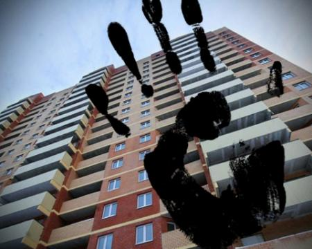 В Днепре поймали рейдеров, отбиравших у людей жилье