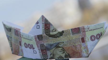 Почему украинцы тратят больше, чем зарабатывают