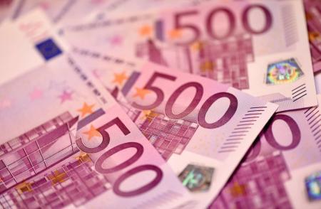 Зарплата в 500 евро помогла бы остановить трудовую миграцию - Рева