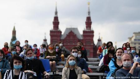 Количество случаев COVID-19 в России превысило 673 тысячи