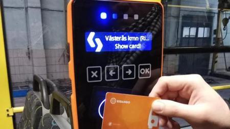В столичном транспорте начали тестировать электронный билет