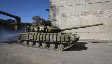 630_360_1444980022-3064-boeviki-styagivayut-tanki-k-mariupolyu-slovoidiloua_25.06.19