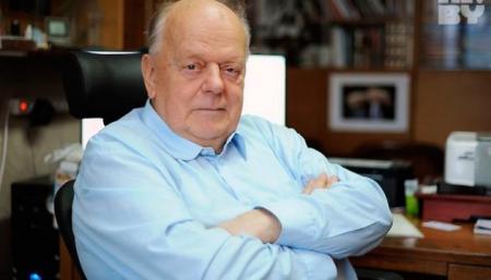 Шушкевич предложил лишить русский язык статуса второго государственного в Беларуси
