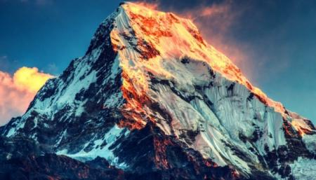 Десять альпинистов погибли в