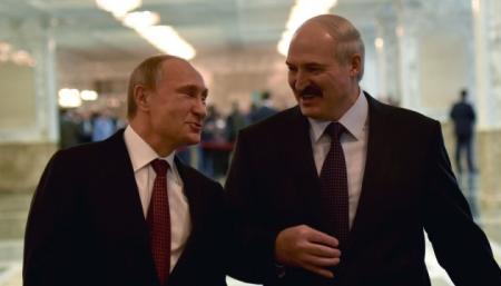 Россия плетет паутину вокруг Лукашенко - политолог