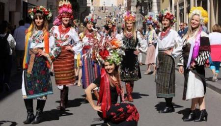 Американцы готовы платить тысячи долларов за украинскую вышиванку