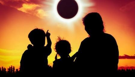 В пятницу 13-го землян ждет солнечное затмение