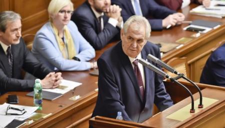 Земан прокомментировал скандал о причастности спецслужб РФ к взрывам на военных складах
