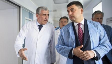 Необходимое лечение в больницах будет оплачивать государство - Гройсман