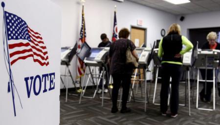 Трамп vs Байден: в США досрочно проголосовали уже около трети избирателей