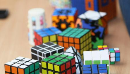 Права на кубик Рубика хотят купить за $50 миллионов