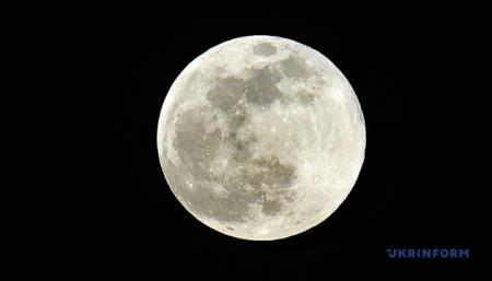 Китай отправит зонд к обратной стороне Луны