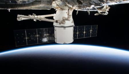 Возвращение Cargo Dragon на Землю отложили из-за непогоды