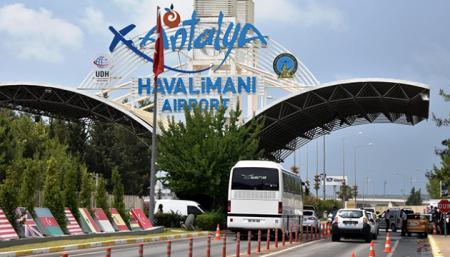 Аэропорт Анталии в июле принимал 20 самолетов в час