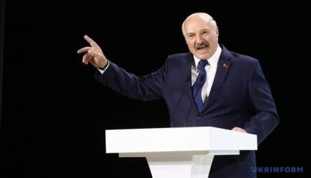 Лукашенко заявил о российском вмешательстве во внутренние дела Беларуси