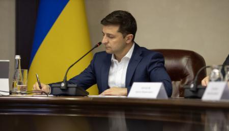 Зеленский подписал закон о разрешении громадам регистрировать рождения, браки и смерти