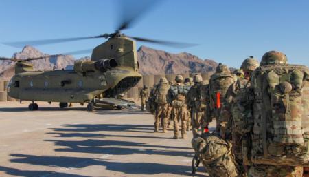 Штаты направляют в Афганистан бомбардировщики, чтобы прикрыть вывод войск