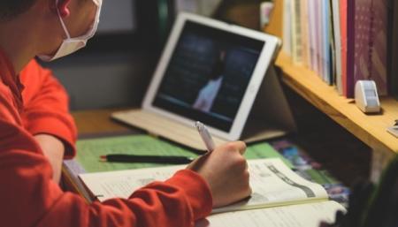 В Украине вступили в силу новые правила дистанционного обучения в школах