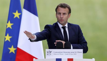 Французы оценивают работу Макрона на посту президента выше, чем Саркози и Олланда
