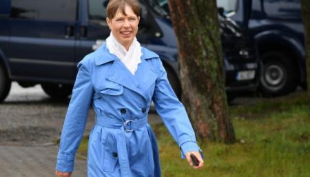 Президент Эстонии уволила министра за использование служебного авто в личных целях