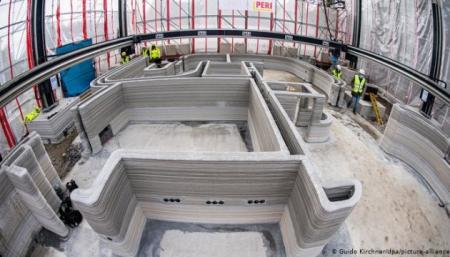 На 3D-принтере печатают первый в Германии дом из бетона