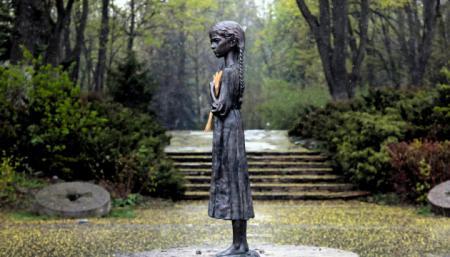 Украина чтит память жертв Голодоморов