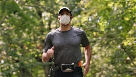 Незрячий пробежал пять километров по указаниям искусственного интеллекта Google