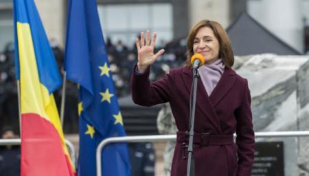 Санду вступила в должность президента Молдовы и обратилась к гражданам на украинском