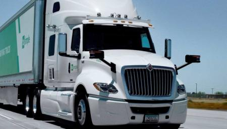 Беспилотные грузовики в этом году появятся на дорогах США