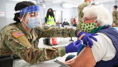Ученые в США сомневаются, что страна достигнет коллективного иммунитета к COVID-19 - NYT