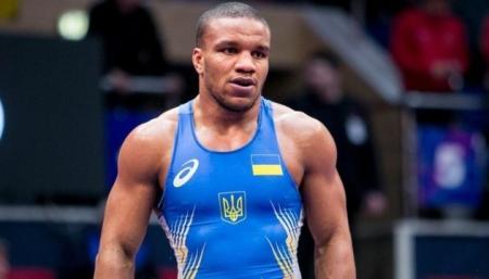 Беленюк выиграл бронзу на чемпионате Европы по греко-римской борьбе