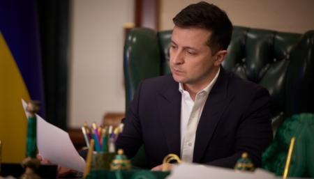 В президентском рейтинге лидирует Зеленский, за ним следует Порошенко - КМИС