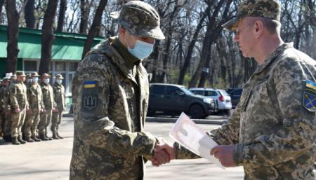 В районе проведения ООС наградили украинских военных