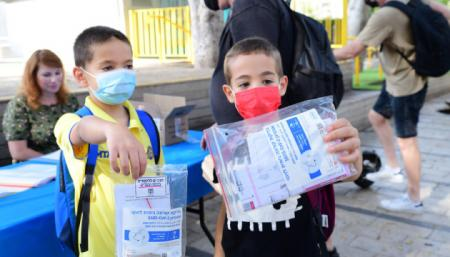 Ізраїльських школярів зобов'язали здавати COVID-тести після канікул