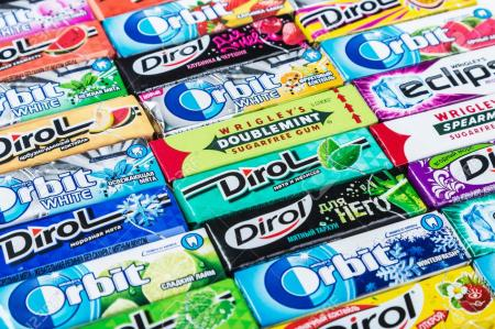85375848-moscow-russia-may-24-2016-various-brand-chewing-gum-bubble-gum-brands-orbit-dirol-eclipse-stimorol-w