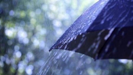 Грозові дощі та спека: синоптики розповіли, якою буде погода на вихідні