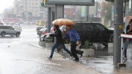 Заморозки, дождь и ветер: синоптики сказали, где еще будет свирепствовать непогода