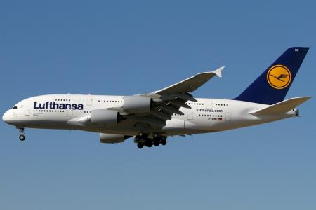 Авикомпания «Люфтганза» отменила более тысячи рейсов