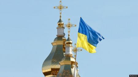 Почти половина украинцев назвала себя прихожанами ПЦУ - опрос