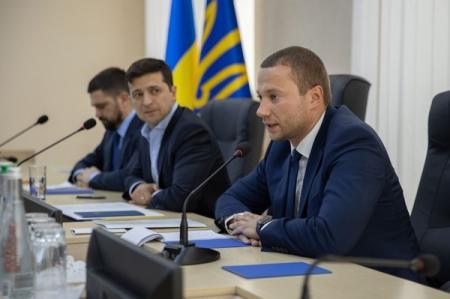 Подбитый боевиками КрАЗ двигался в колонне с губернатором - СМИ