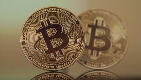 Инвесторы массово меняют Bitcoin на золото
