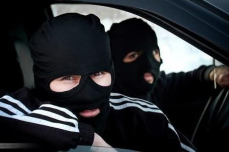 У киевлянина сегодня вытащили миллион гривен, пока он стоял на светофоре