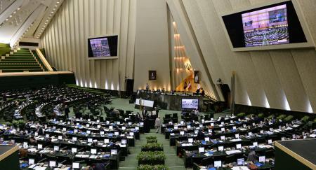 Иран увеличил расходы на ракетную программу в ответ на санкции США